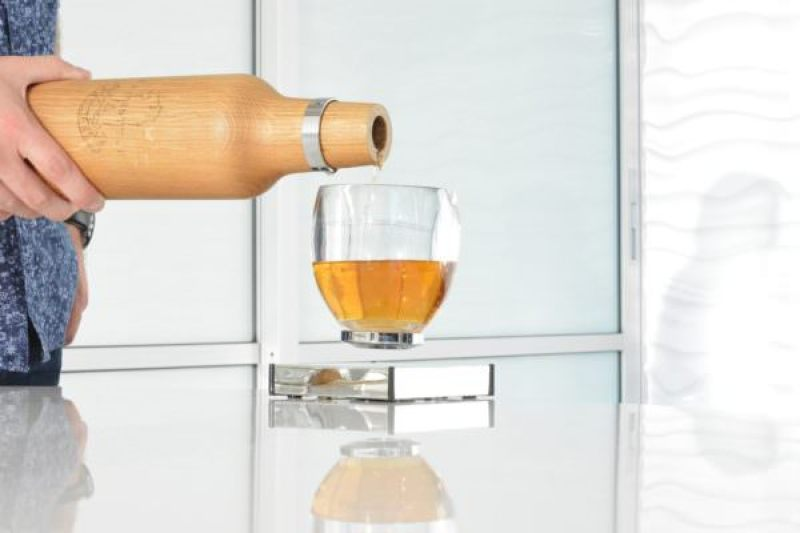 Father's Day Gift Ideas: Levitating Cup by Oak Bottle