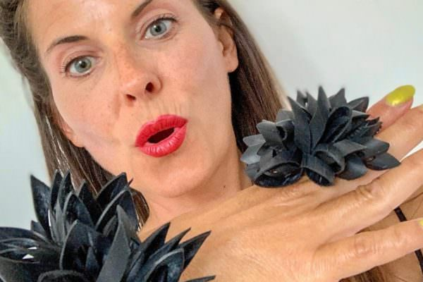 Fluffy ring made from recycled inner tube