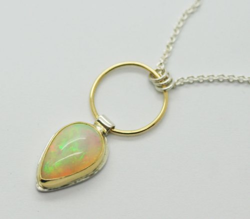 welo-opal-pendant-necklace