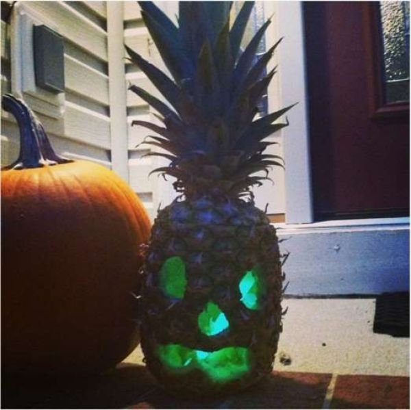 pineapple-jack-o-lantern-and-glowstick