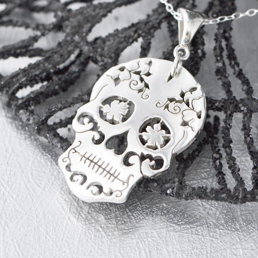 sugar-skull-pendant
