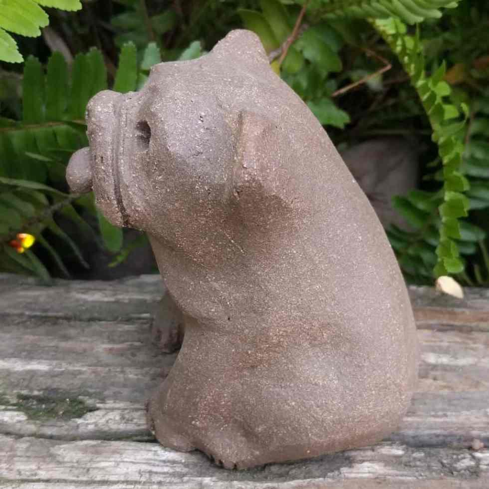bulldog-sitting-small-garden-sculpture-margaret-hudson-clay-1024_03