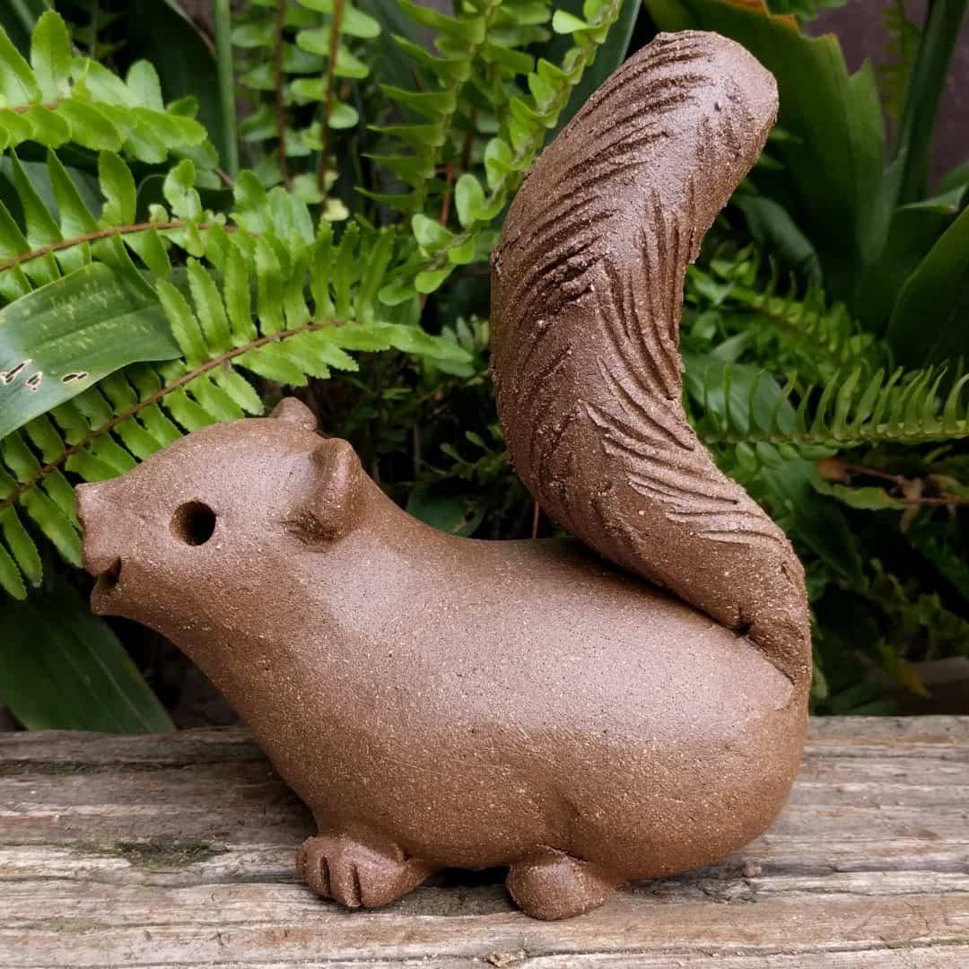 squirrel_scampering_large_greenspace_5