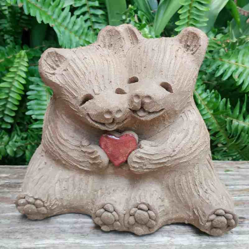 clay-bear-love-heart-meidum-1024px-outdoor-figurine-by-margaret-hudson-earth-arts-studio-12