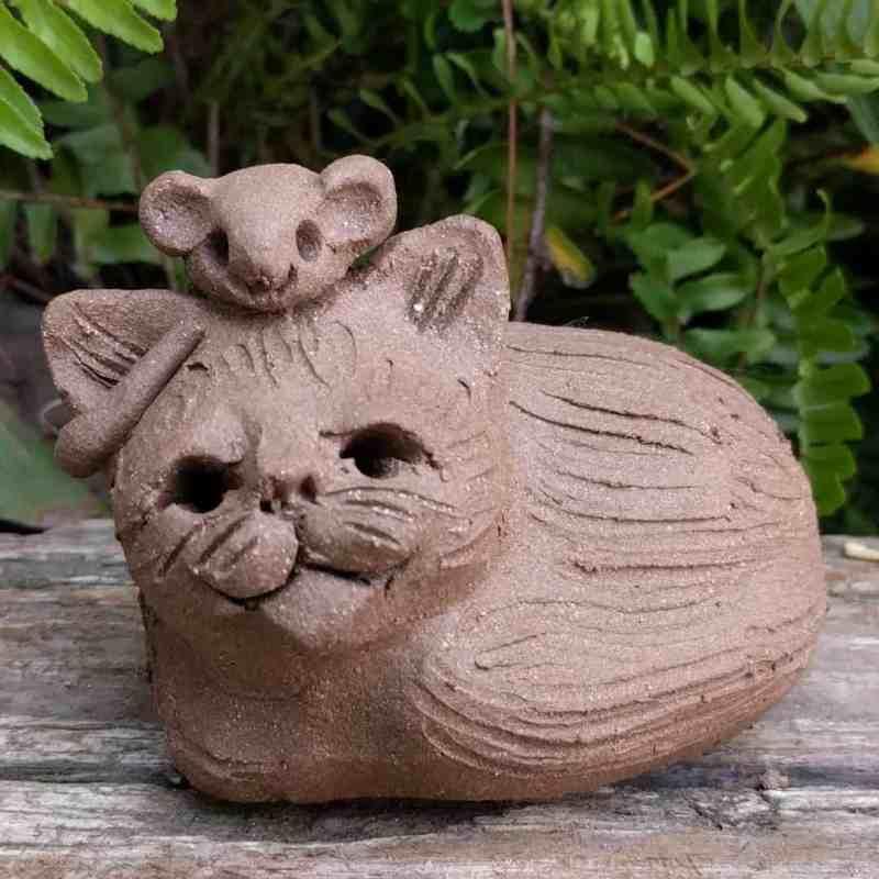 cureld_cat_mouse_head_outside_3