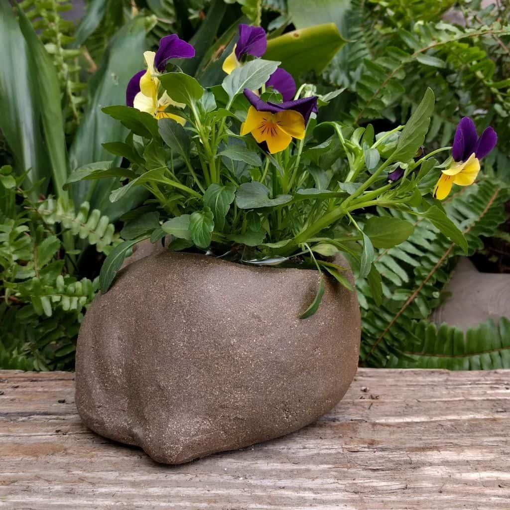 bulldog-planter-sleeping-garden-sculpture-clay-margaret-hudson-earth-arts-1024-08