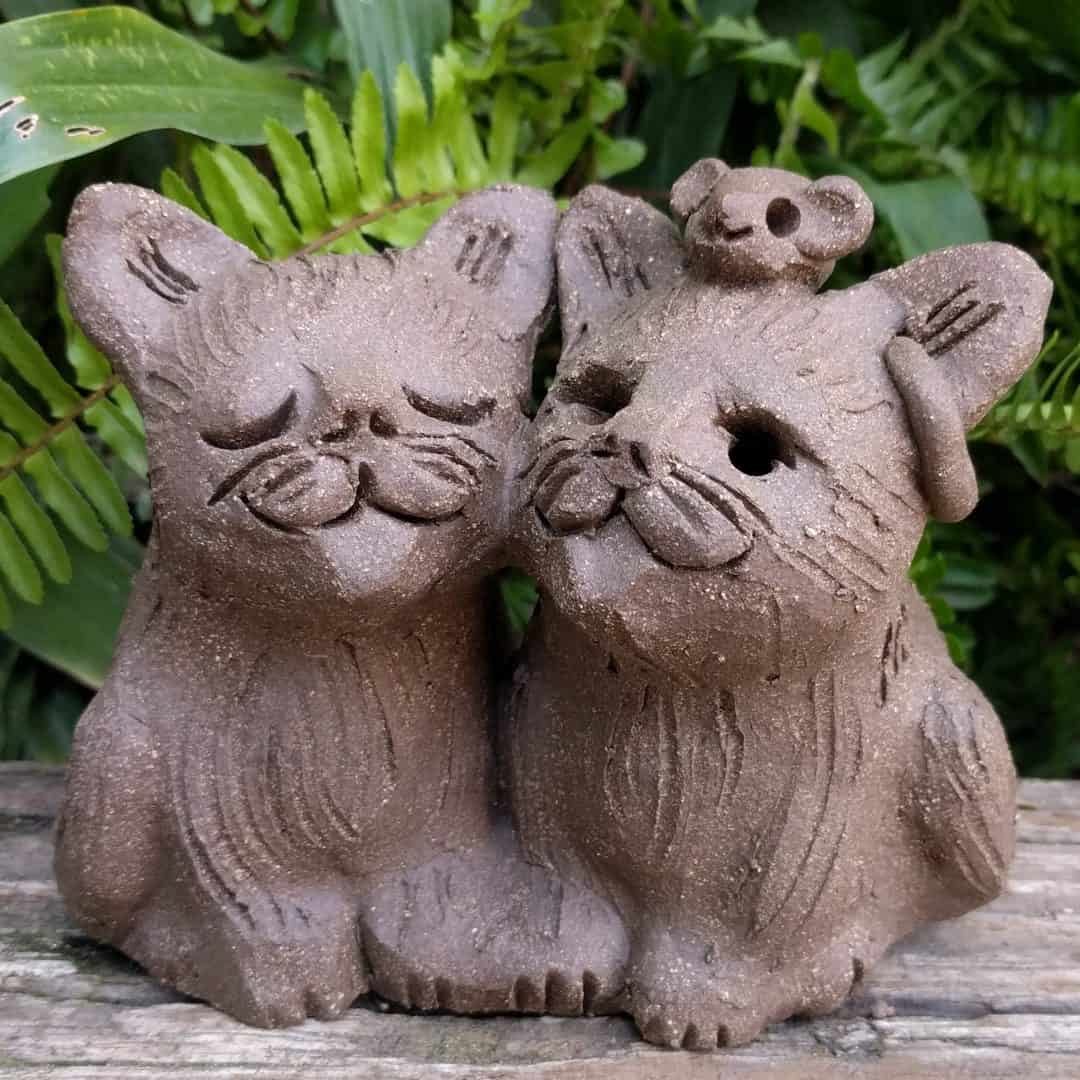 cat_pair_mouse_head_outside_1