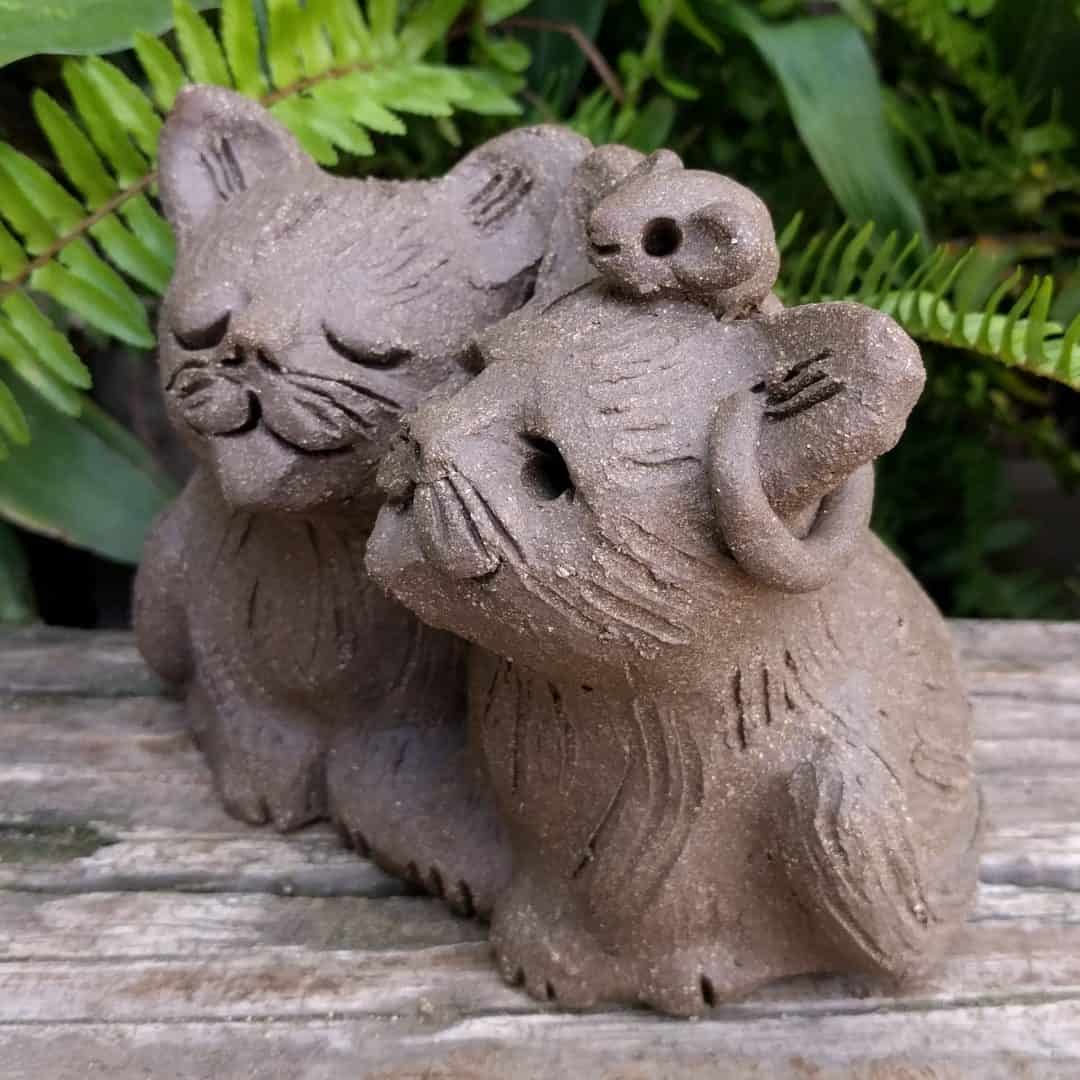 cat_pair_mouse_head_outside_3