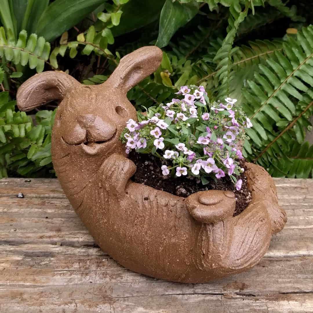 rabbit_planter_back_gren_flowers_14
