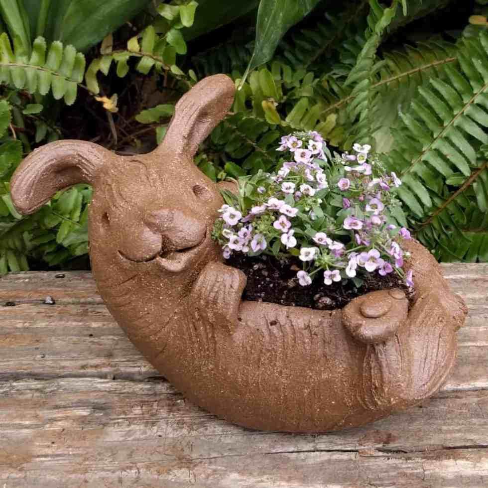 rabbit_planter_back_gren_flowers_15