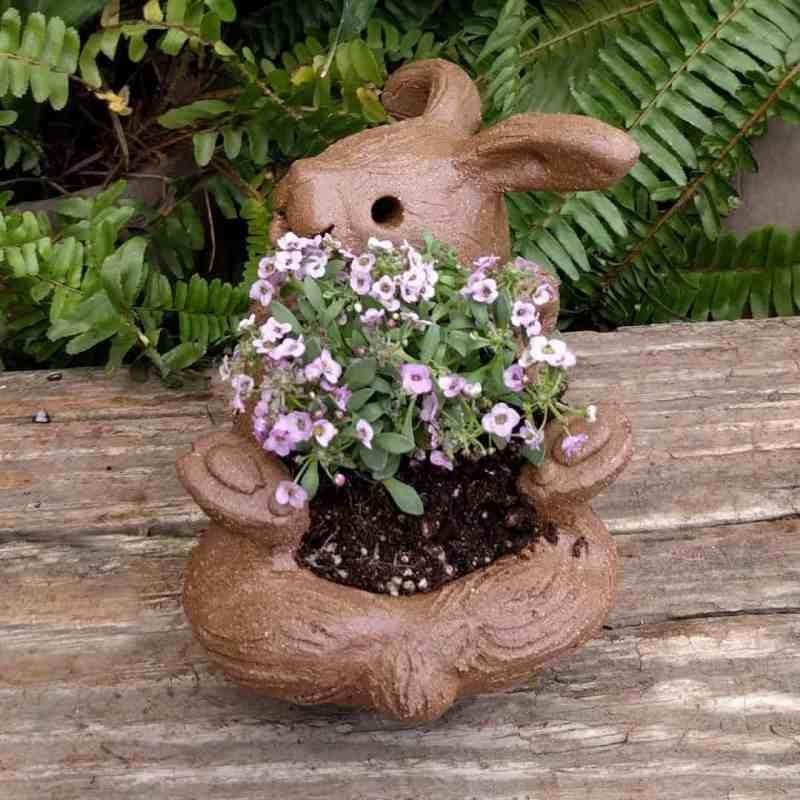 rabbit_planter_back_gren_flowers_6