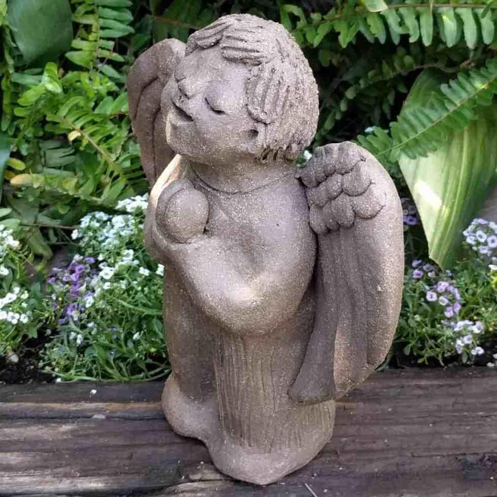 angel_boy_praying_small_green_1024_04