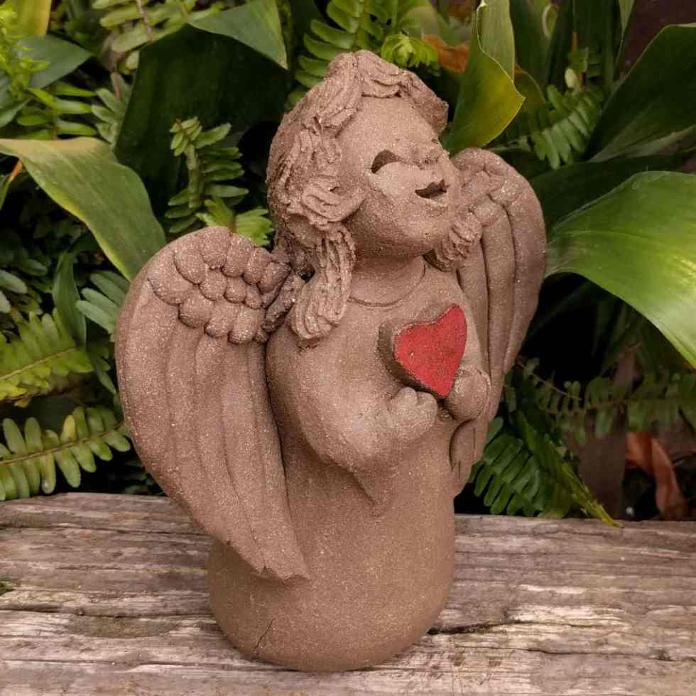angel_girl_heart_small_greenspace_1024_13