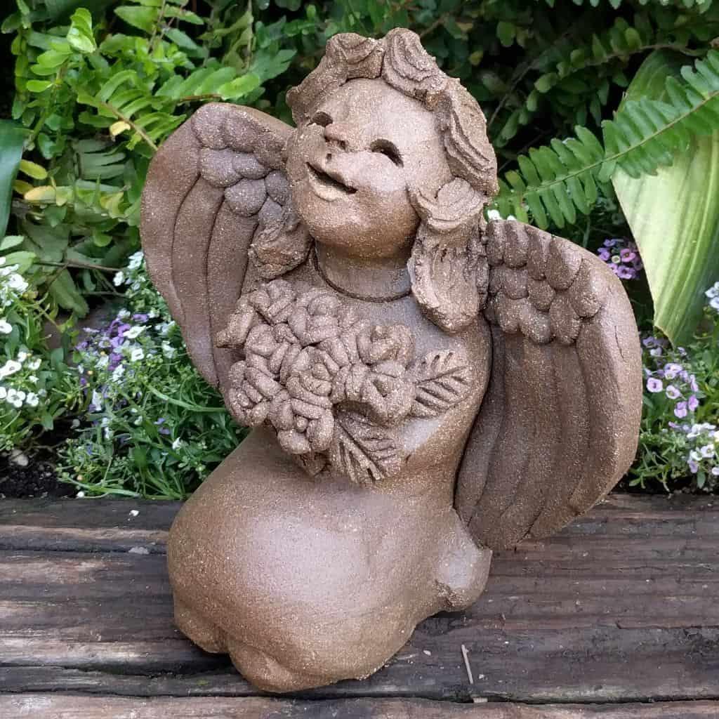 angel_girl_kneeling_flowers_small_green_1024_13