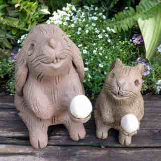 bunny_offering_egg_size_ghot