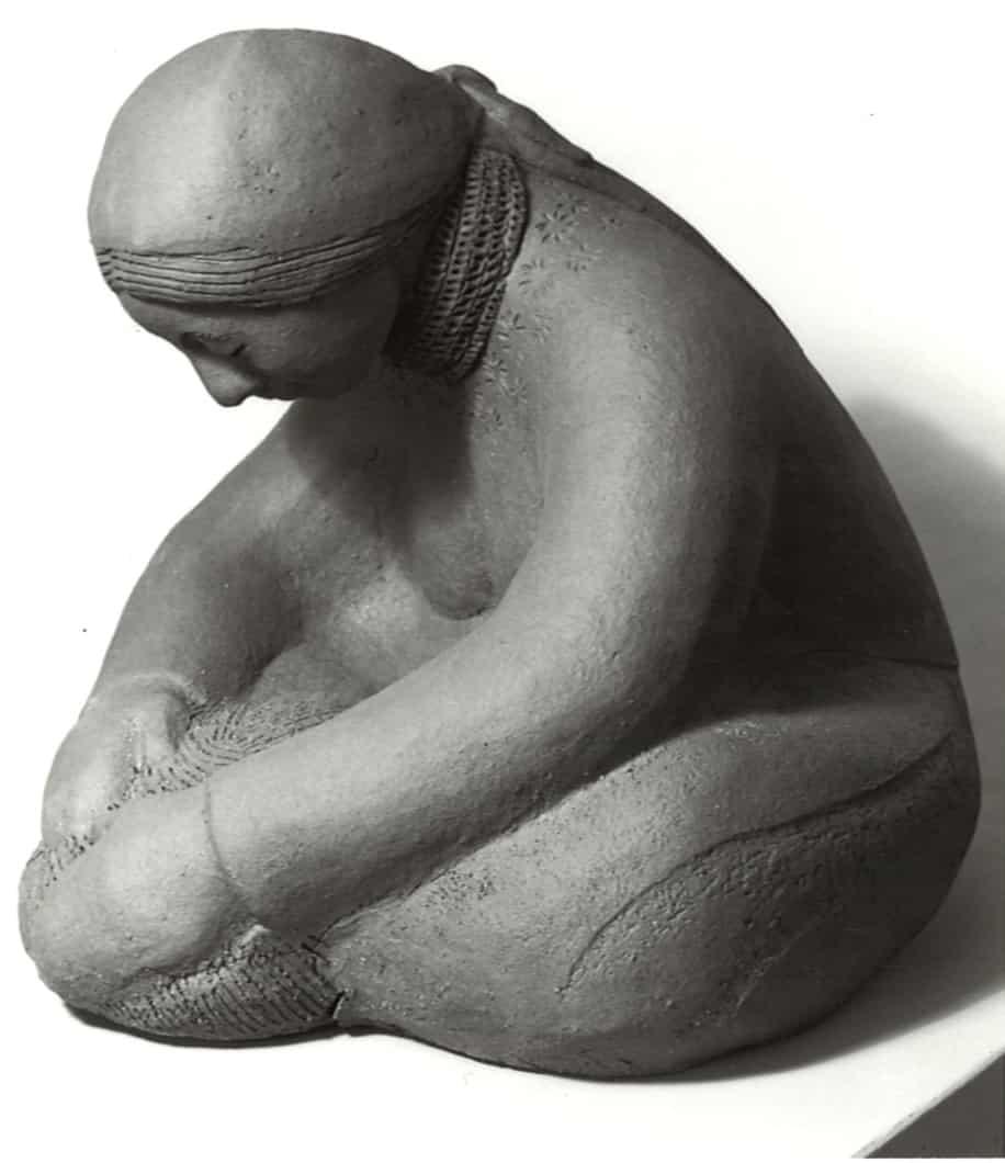 guatemalan-woman-making-bread-margaret-hudson-scultpure