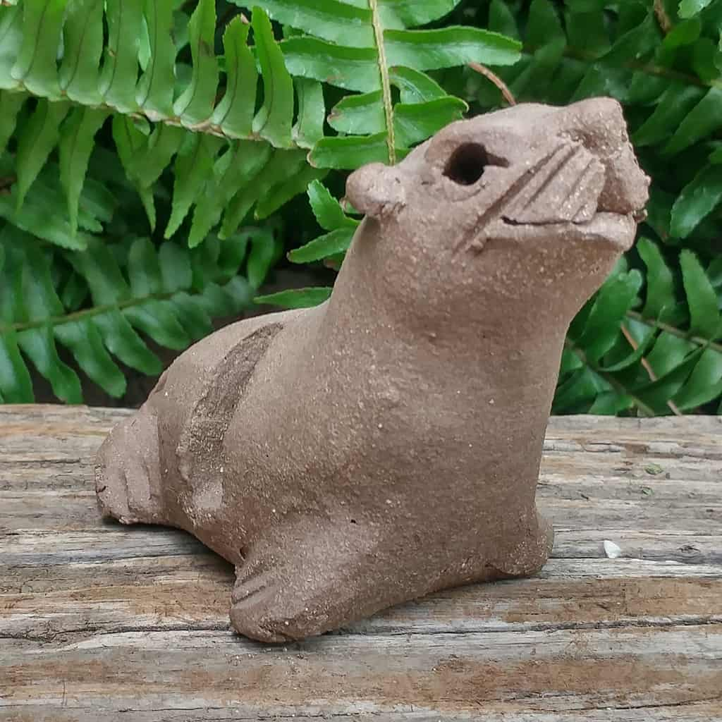 ceramic-seal-card-holder-1024px-garden-sculpture-by-margaret-hudson-earth-arts-studio-3