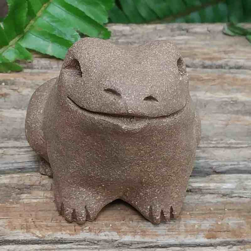 ceramic-small-frog-1024-outdoor-sculpture-by-margaret-hudson-earth-arts-studio-0