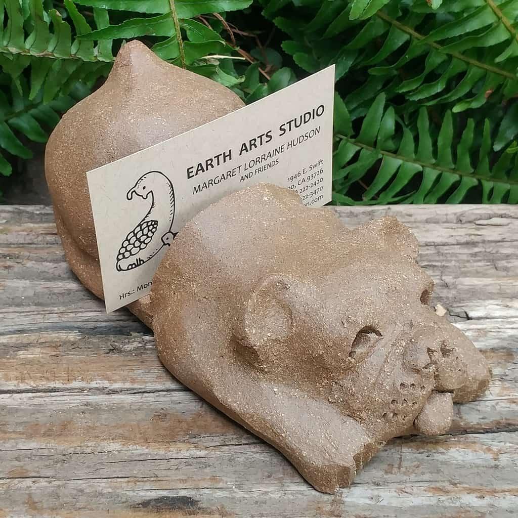 clay-bulldog-card-stand-1024px-garden-sculpture-by-margaret-hudson-earth-arts-studio-7