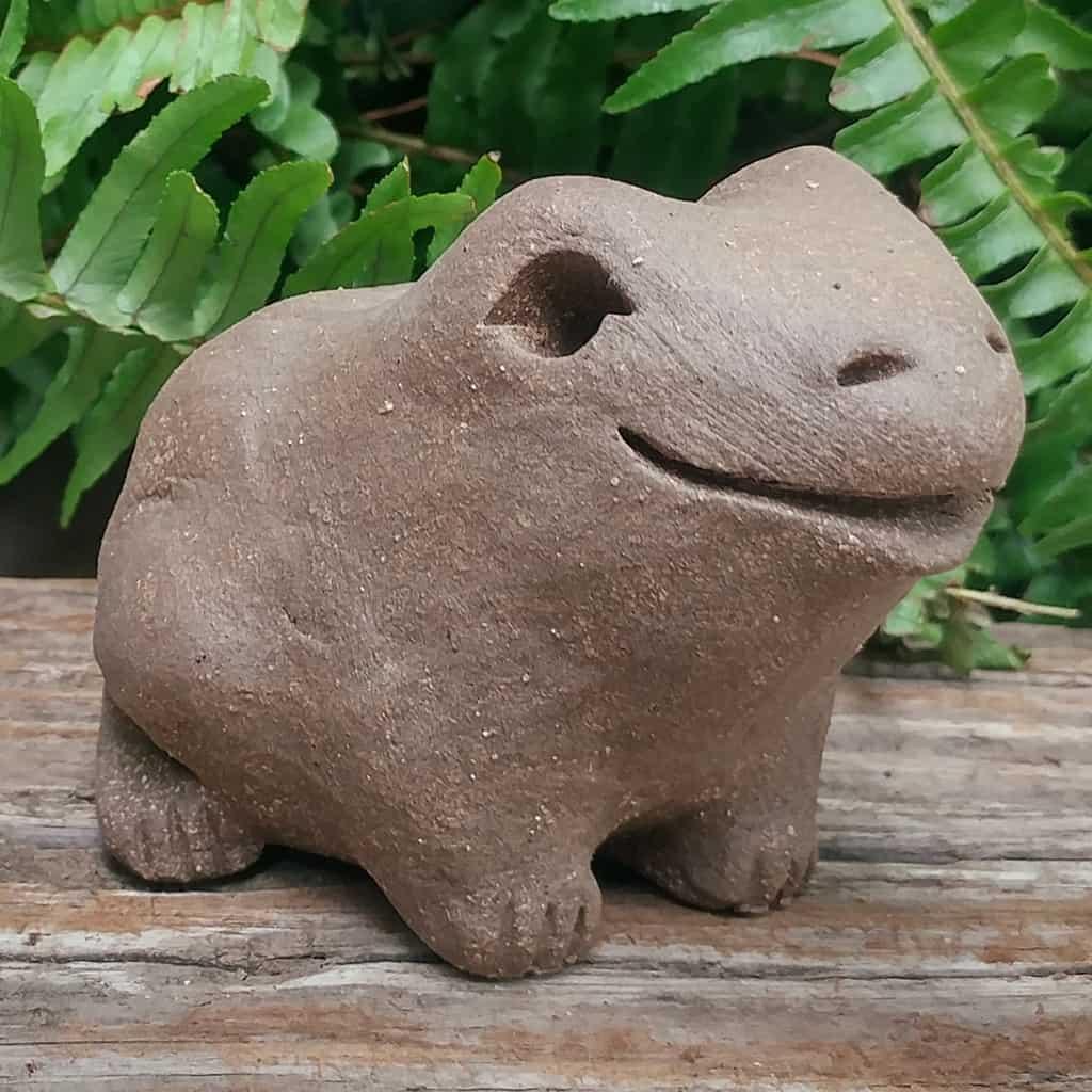 clay-medium-frog-1024-outdoor-sculpture-by-margaret-hudson-earth-arts-studio-2