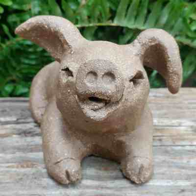 pottery-playful-pig-small-1024px-outdoor-statue-by-margaret-hudson-earth-arts-studio-8