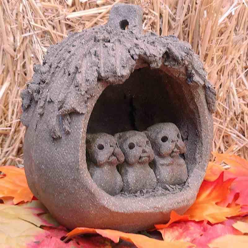 pumpkin-pugs-side-2