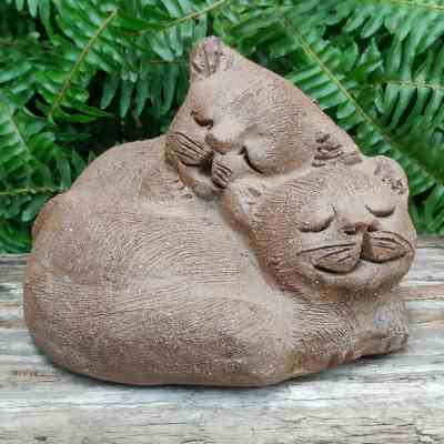 stoneware-cuddling-cats-outdoor-sculpture-by-margaret-hudson-earth-arts-studio-6