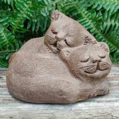 stoneware-cuddling-cats-outdoor-sculpture-by-margaret-hudson-earth-arts-studio-6