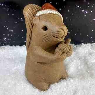 xmas-squirrel-with-acorn-15