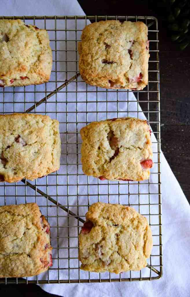 Baked Fluffy Strawberry Vanilla Scones