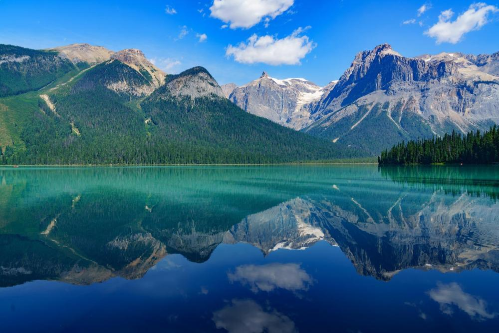 lakes in Canada