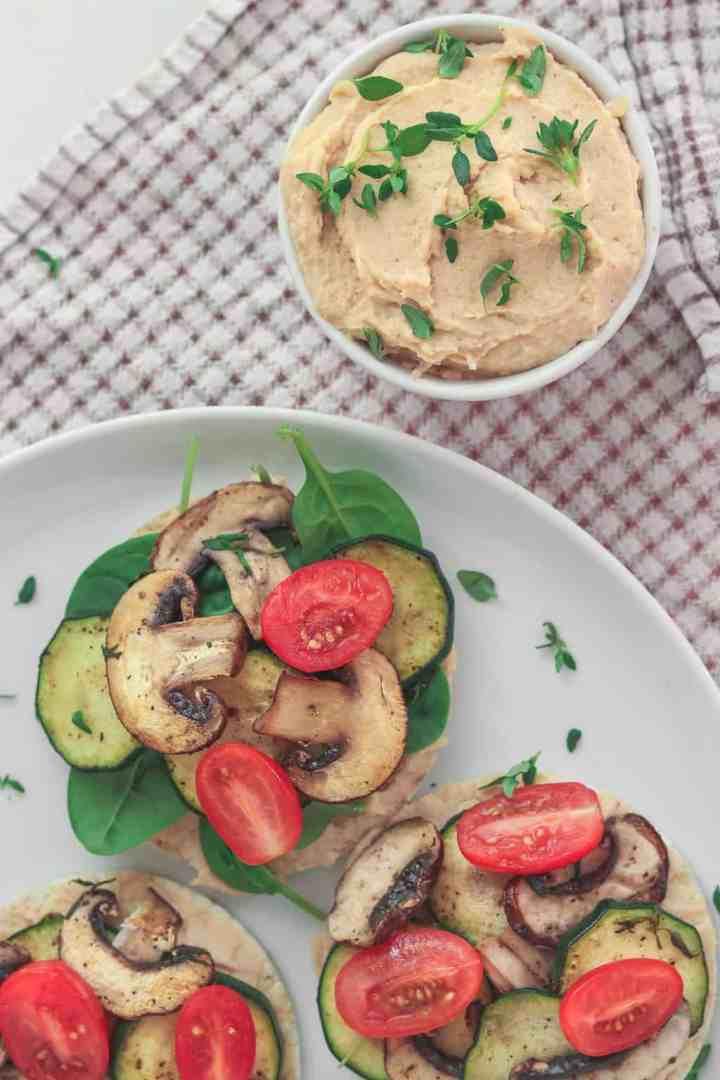 Vegan White Bean Spread Rice Cakes (Easy And Healthy Snack Idea)