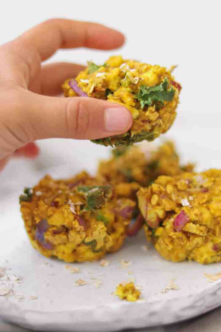 Vegan egg breakfast muffins with oats, tofu and chickpea flour