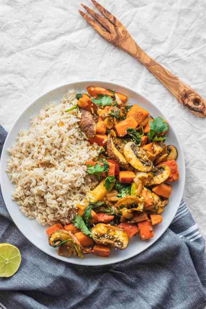 Vegan red kuri squash stir-fry with vegetables and a sweet sauce