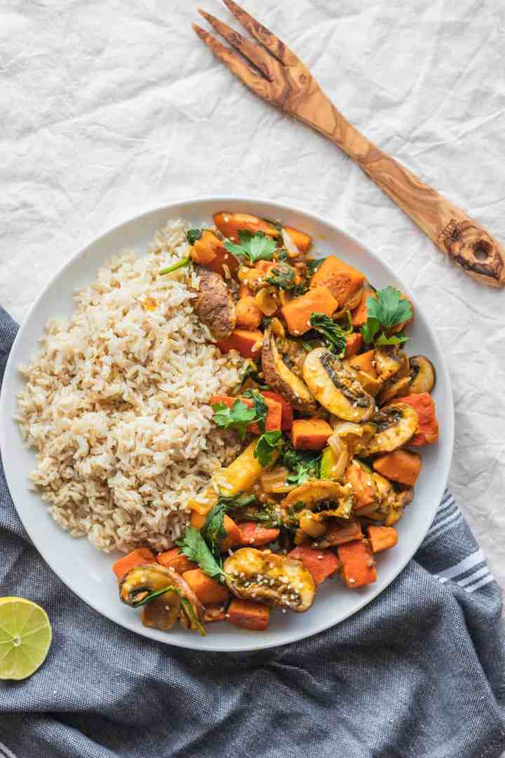 Vegan red kuri squash stir-fry with vegetables and a sweet sauce