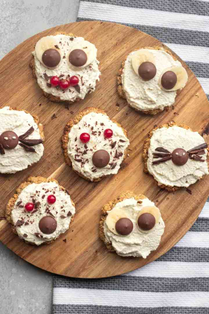 Healthy vegan Halloween oatmeal cookies