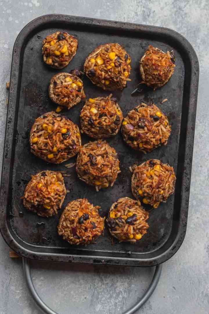 Stuffed mushrooms with rice and black beans