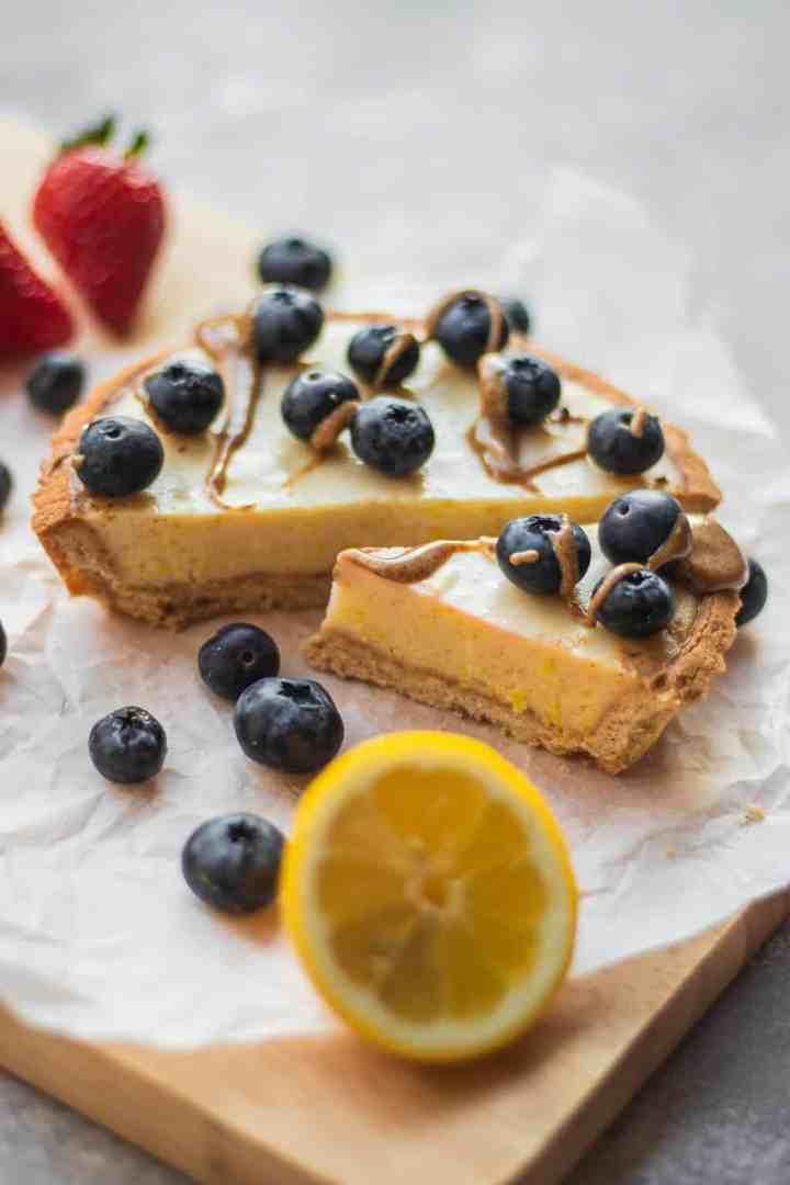 Lemon tart with blueberries