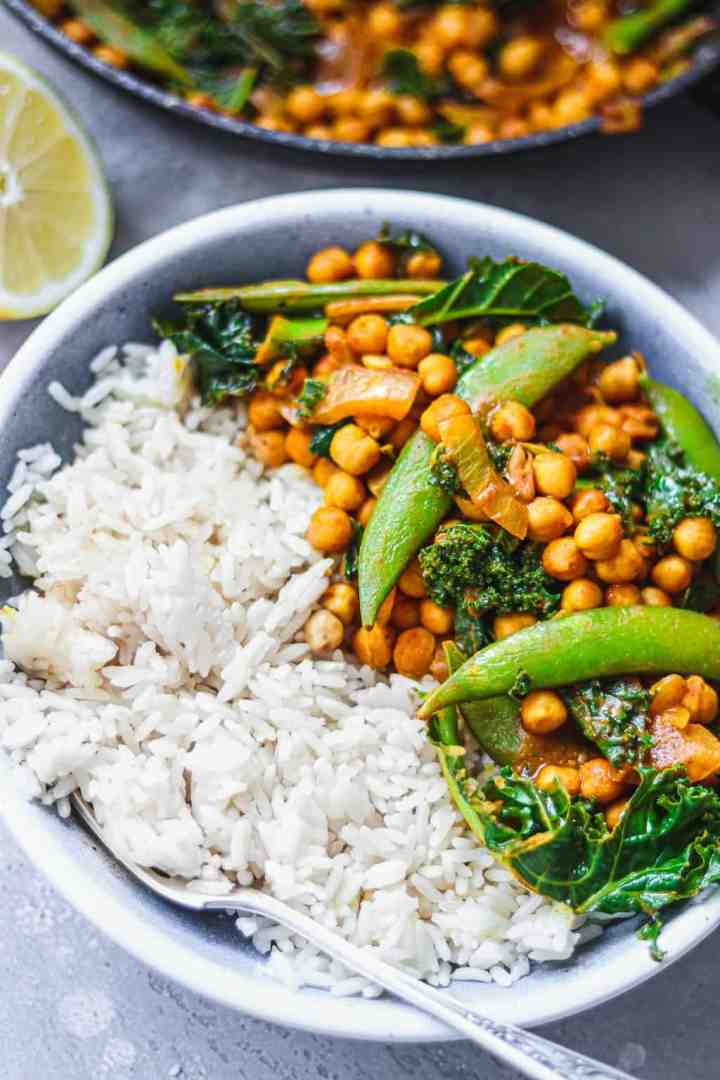 Vegan chickpea curry in a blue bowl