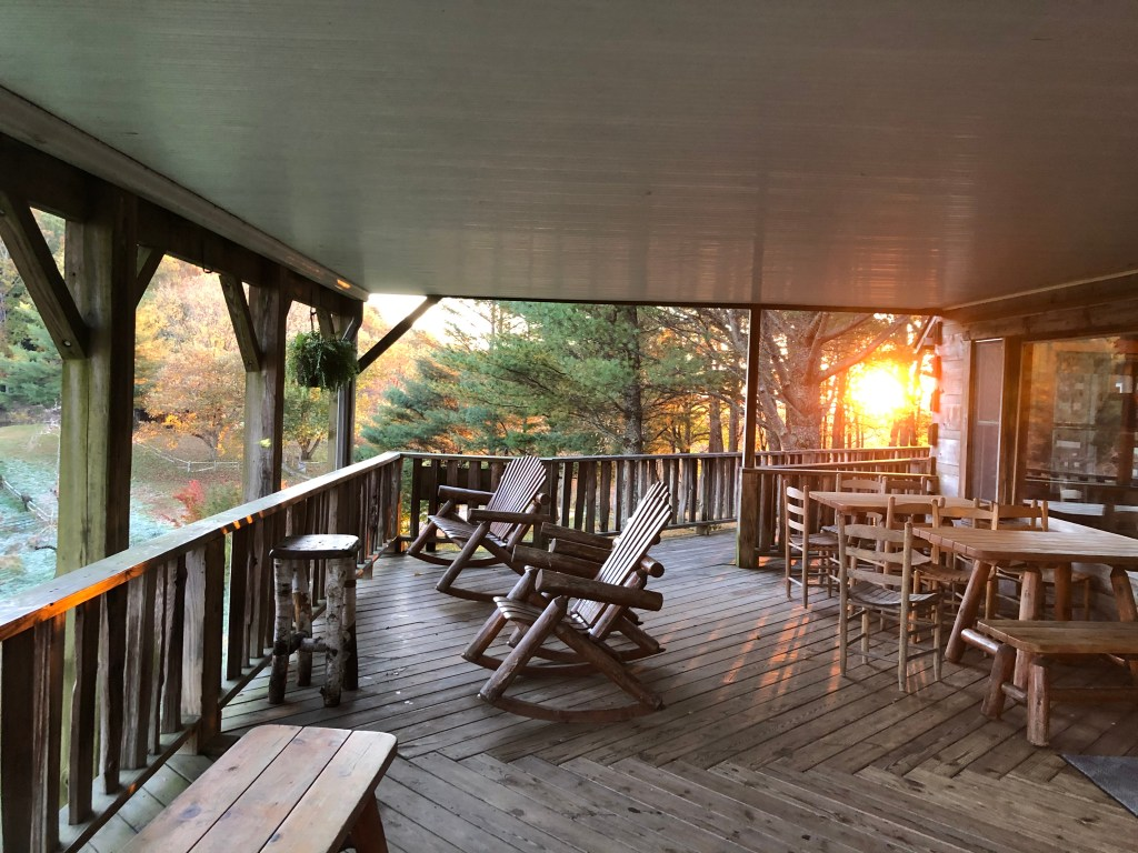 Earthshine Porch_Sunrise (1)