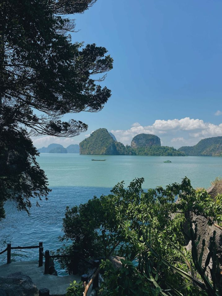 Thai island hopping (Phang Nga Bay)