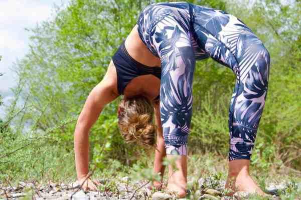 Online yoga lessons nature streaming beginner