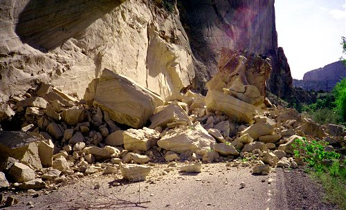 MASS WASTING AND LANDSLIDE  Earth Study