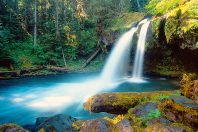 USWASH 00036 400x267 Can Waterfalls Really Make You Happy?