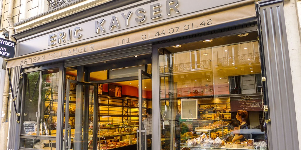 Picture of Eric Kayser storefront.