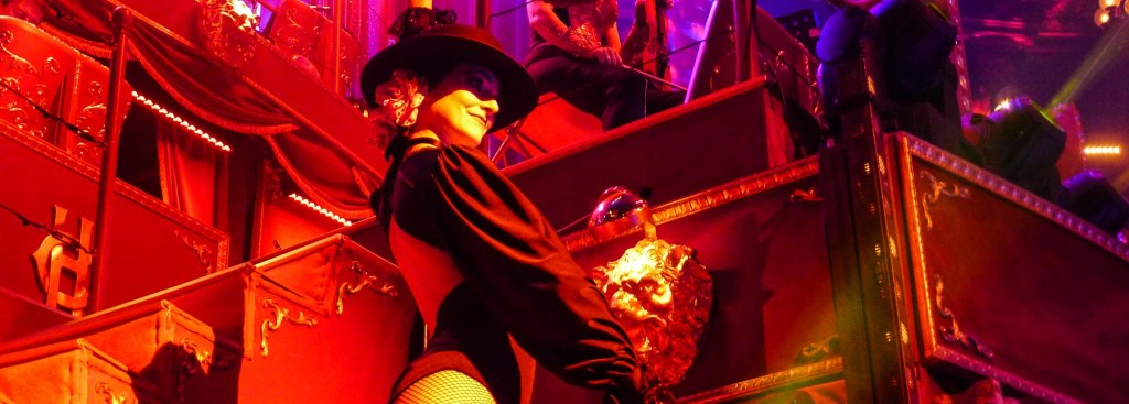Picture of show girl at the Paris circus.