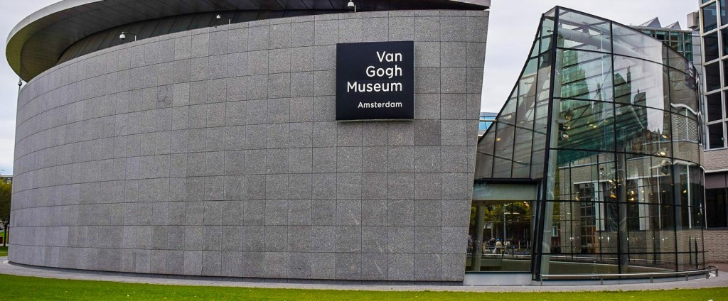 Picture of outside of Van Gogh museum.