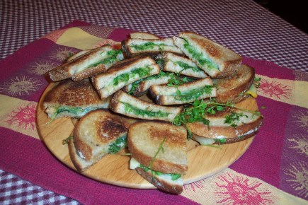 Grilled cheese with chickweed