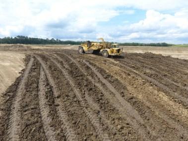 Tractor Scraper Villinue Pit Project