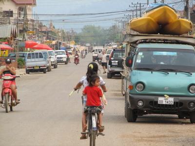 street-traffic-in-town.jpg